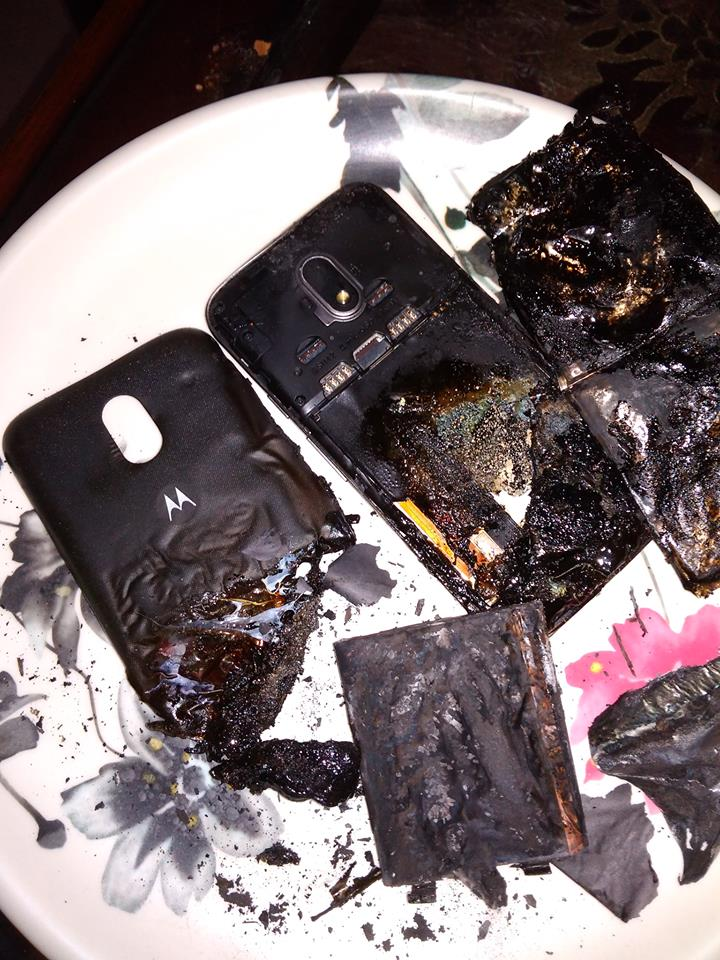 Moto E3 Power explodes after charging, phone completely melted