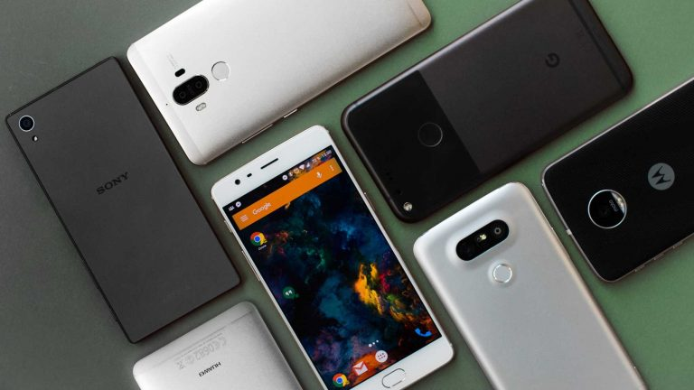 Indian smartphone market grew 14% in 2017, shipped 124 million units