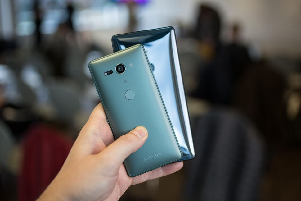 Sony Xperia XZ2 and Xperia XZ2 Compact back panel